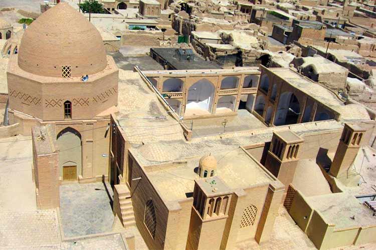 جاذبه های نایین اصفهان