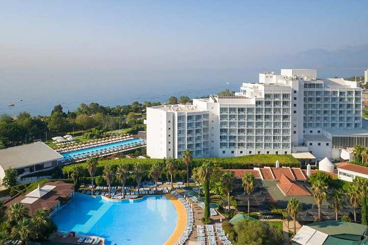 ده هتل برتر آنتالیا به انتخاب گردشگران