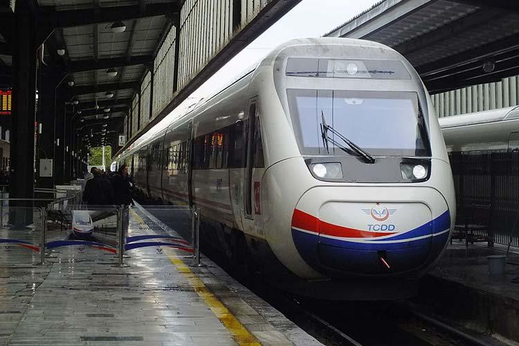 راهاندازی قطارهای مسافری از تهران به آنکارا و وان