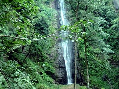 تور آبشار لوشکی تا آبشار ریوو.amordadtour.com