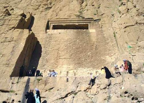 تور ترکمن صحرا آرامگاه خالد نبی