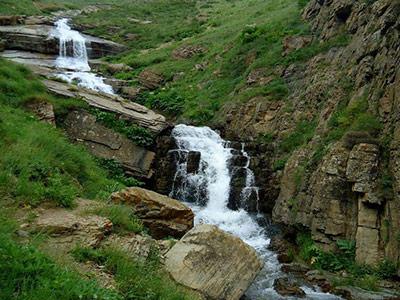 تور دشت نمارستاق تا آبشار دریوک.amordadtour.com