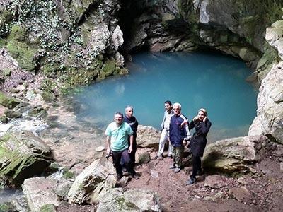 تور نورچشمه تا غار آبی دیورش.amordadtour.com